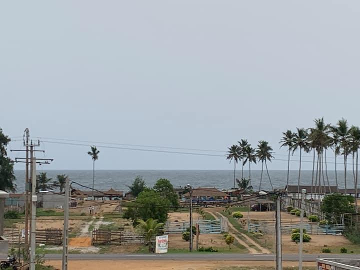 Studio route de bassam à 300m de la plage