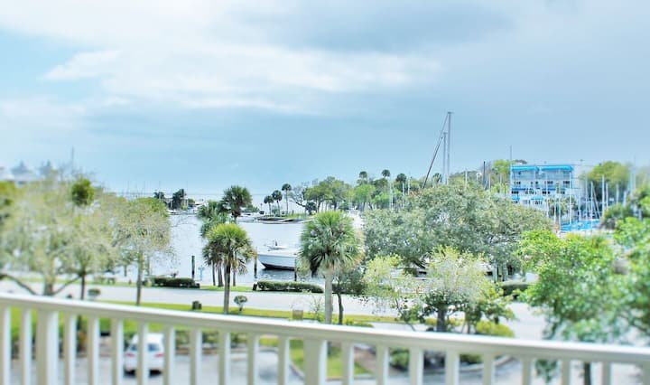 Beautifully Decorated, View of Indian River Harbor