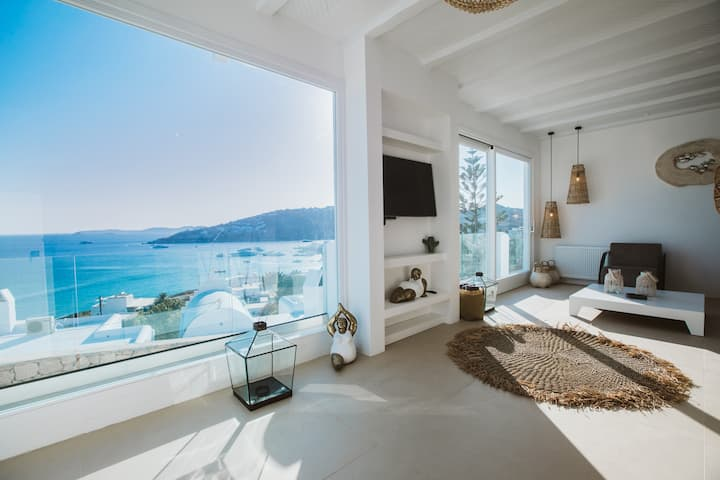 SeaCode Villas, White Villa