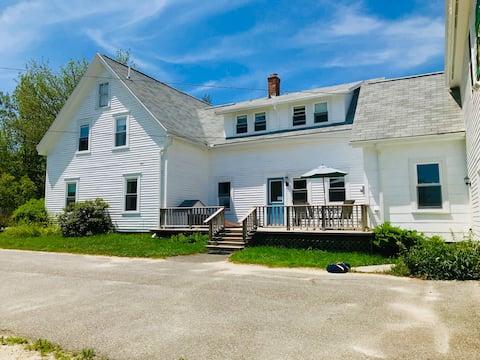 Maine Coastal Farmhouse 10 Acres - Long Stay