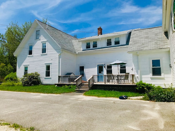 Maine Coastal Farmhouse 10 Acres - Long Stay