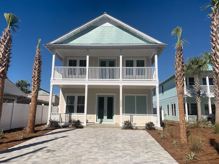 Southern Sands - New construction 5 BR w/(2 Masters) Private Pool and steps to the beach.