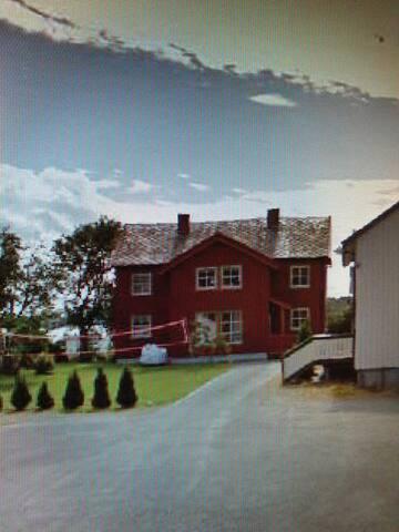 Hjemmekoselig hus i Trondheims kjøkkenhage