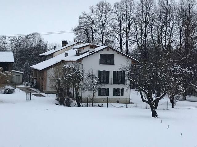 Enchanting original 1700 farmhouse