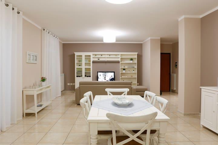 Tra i due mari, casa vacanze, B&B - Casarano - Apartament