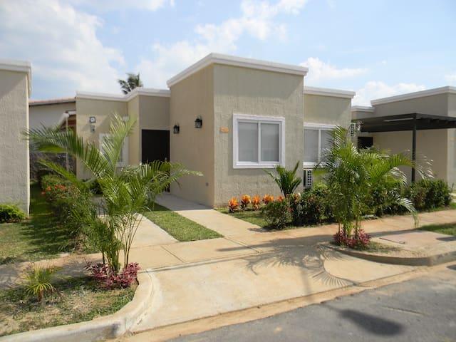 Villa Venus - Playa Coronado - Guesthouse