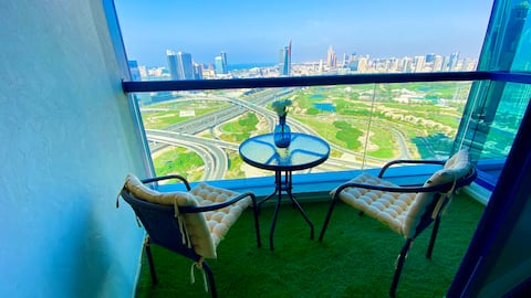 Private Room in duplex apartment with Amazing view