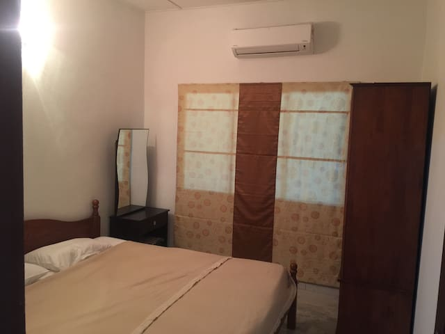 Comfortable house to let - Kampar - Haus