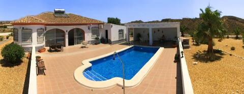 Villa + piscine privée +3 chambres