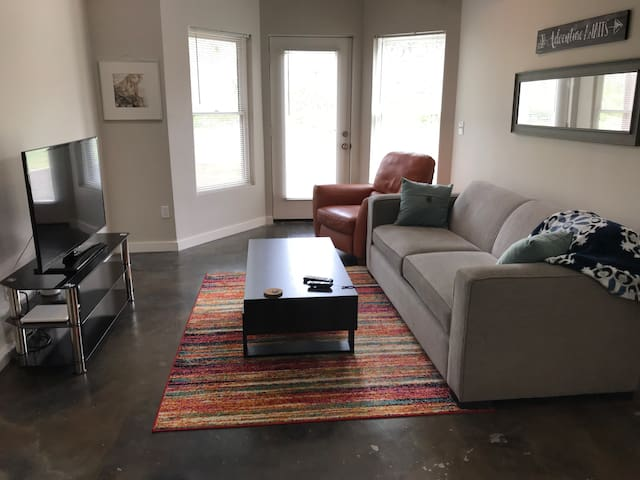 Modern, private apartment near downtown Atlanta!