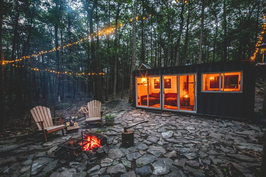 Container cabin in the catskills micromaisons louer for Cabins in the catskills