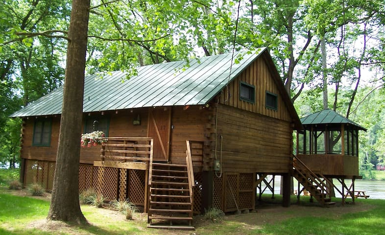 Shenandoah Shores Riverfront Log Cabin - Luray - Byt