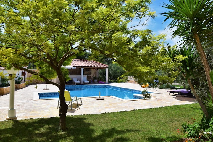 Apartment Barbara with Seaview&Pool