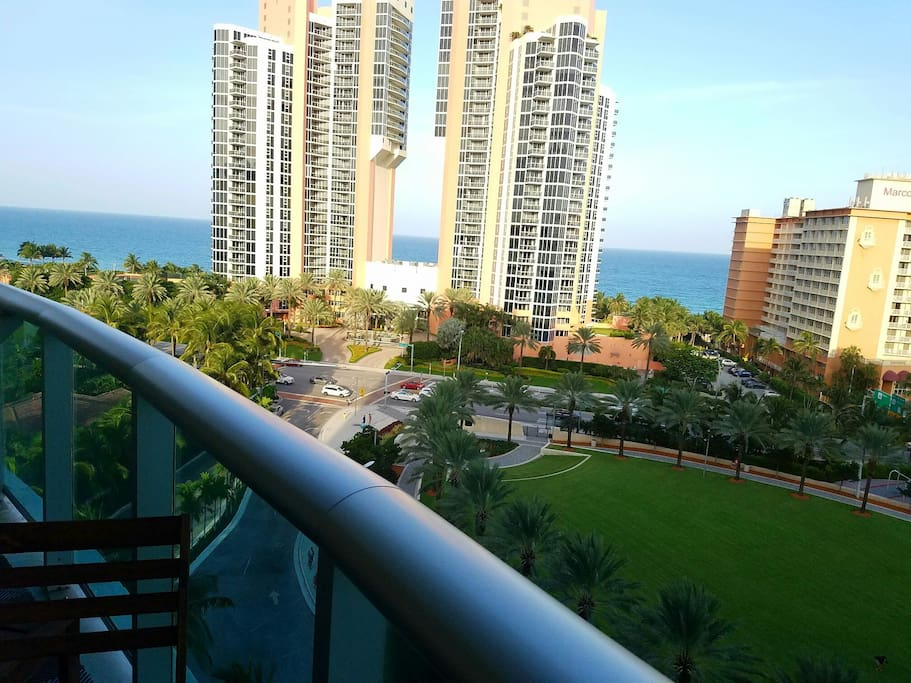 Incredible ocean views right on Collins Ave!