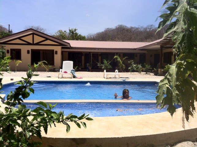 CONCHAL BEACH  BEAUTIFULL HOUSE - Huacas - Huis