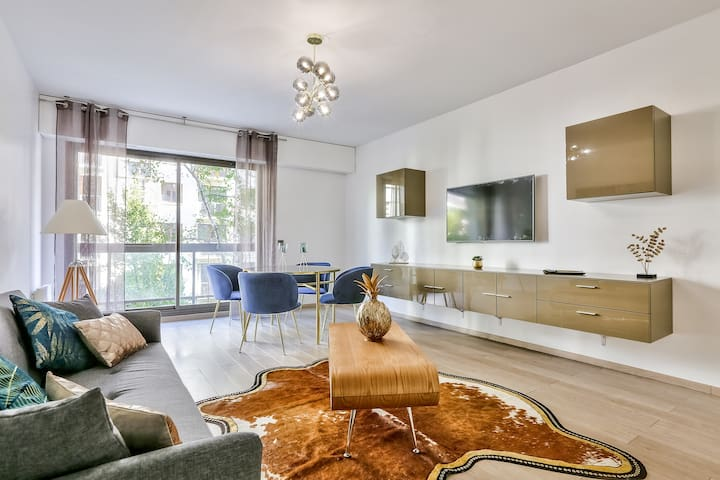 Luxurious Apartment in Neuilly Center! #SOYER