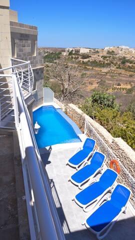 Stella Maris - Villa with pool and views