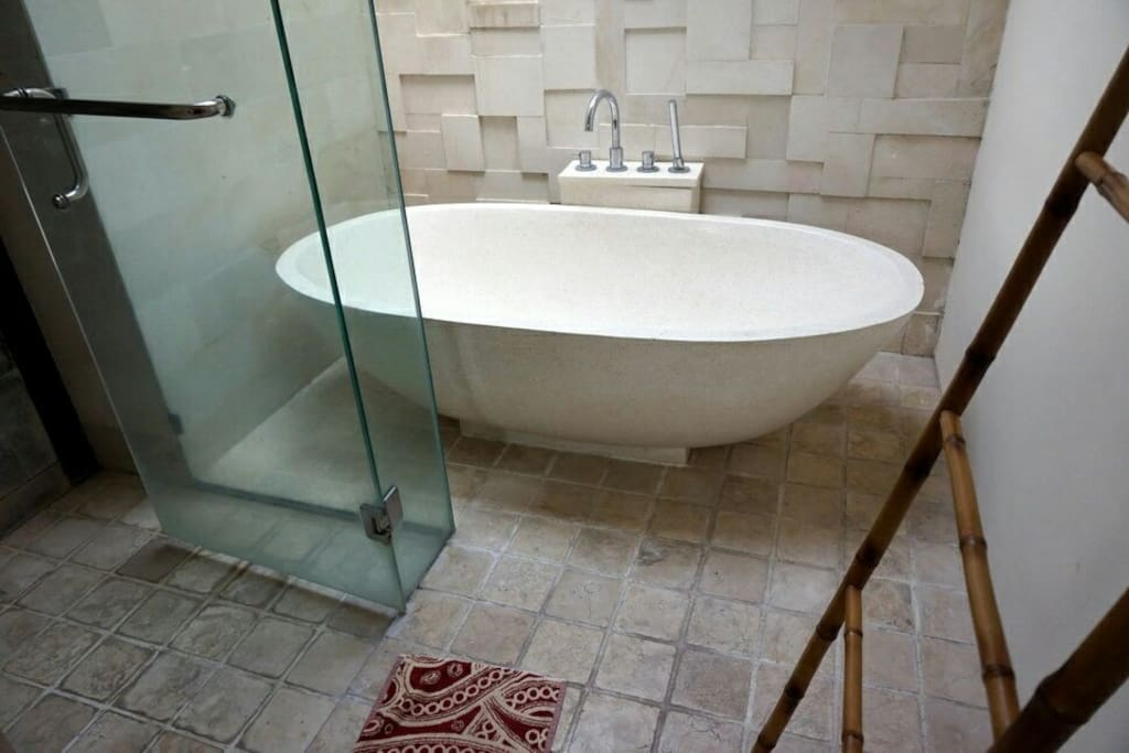 Bathtub in the Second room upstair