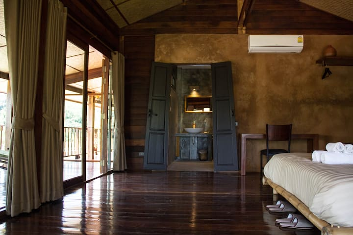 Luxury loft in wooden longhouse - Chiang Rai