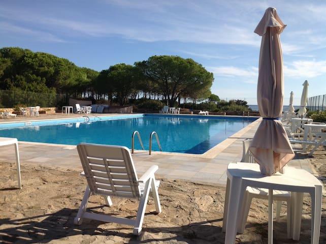 Appartamento in Villaggio con piscina - Budoni - Apartemen