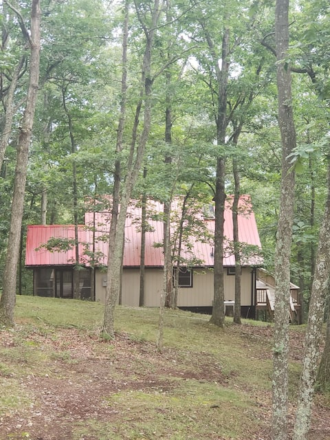 Quiet Mountain Retreat, near Lost River State Park