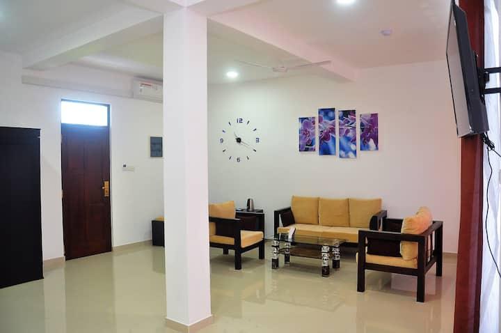 """Amber House Lanka        (Suite room """"Saphire"""")"""