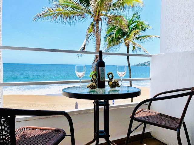 LUXURY  BEACH FRONT APARTMENT