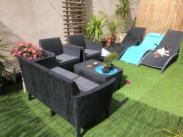 studio 3 couchages + jardin privé proche aéroport