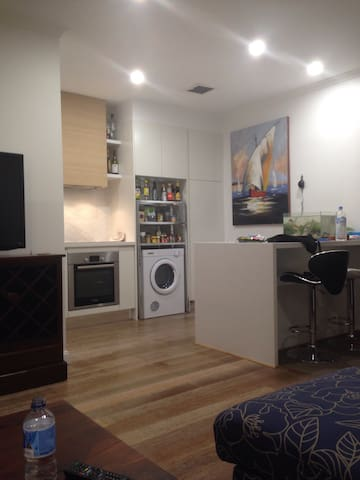 Delightful Ensuite Urban Sung - Business / Leisure - Newcastle