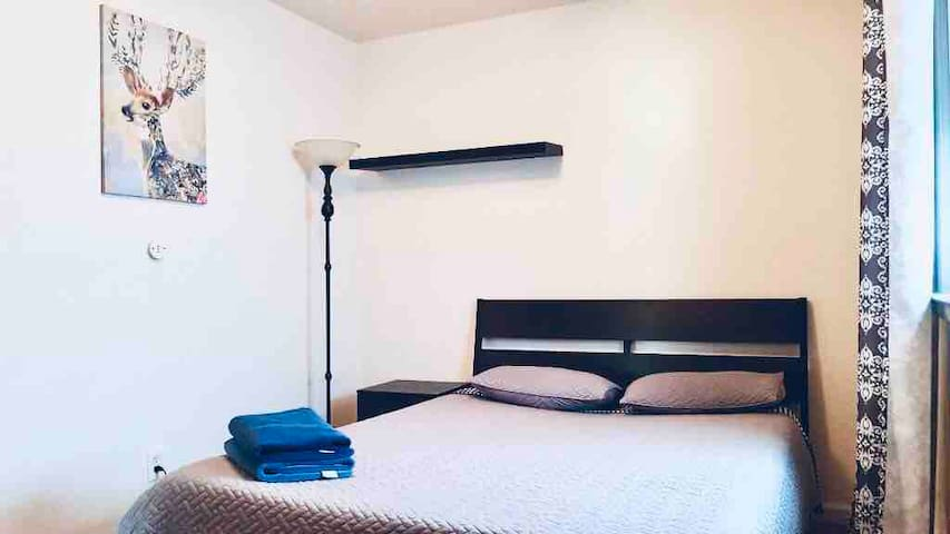 "16 ""S"" Jersey City Private Room 15 min to NYC/WIFI"