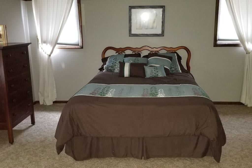 Large room with comfortable queen bed