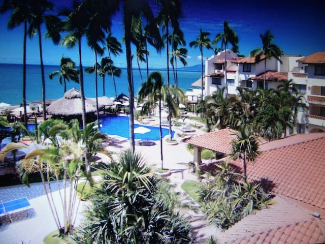 Beach Front 3-room apt, Plaza Pelicanos VIEWS! - puerto vallarta  - Timeshare