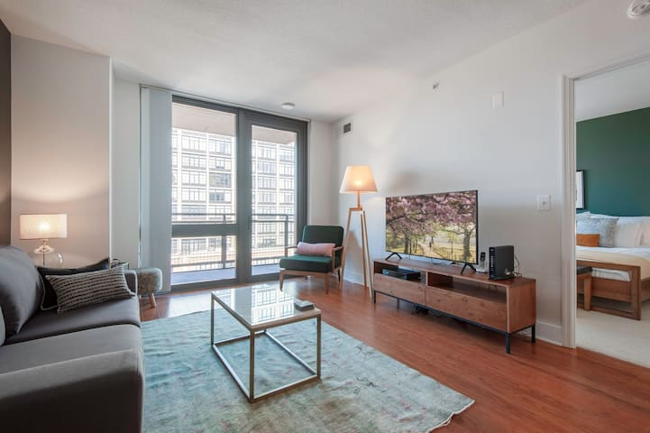 Cozy Mt. Vernon 1BR w/ Gym, Pool close to Convention Center by Blueground
