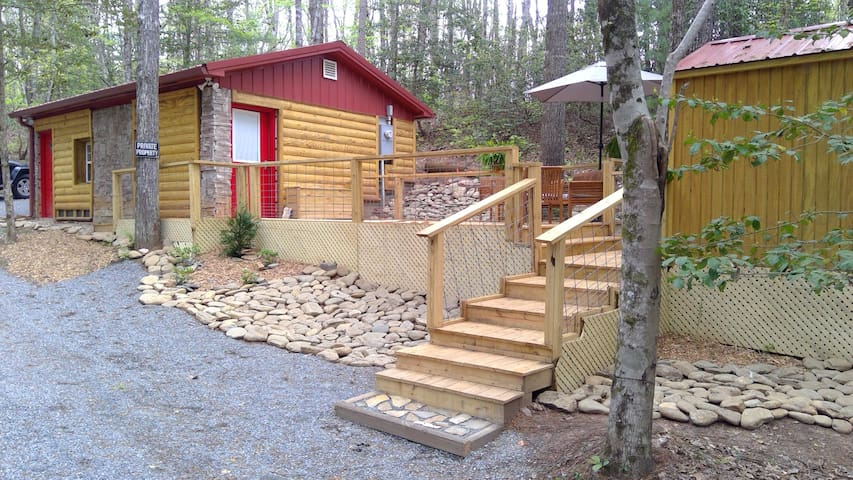 Spectacular Tiny Home in the Blue Ridge Mountains