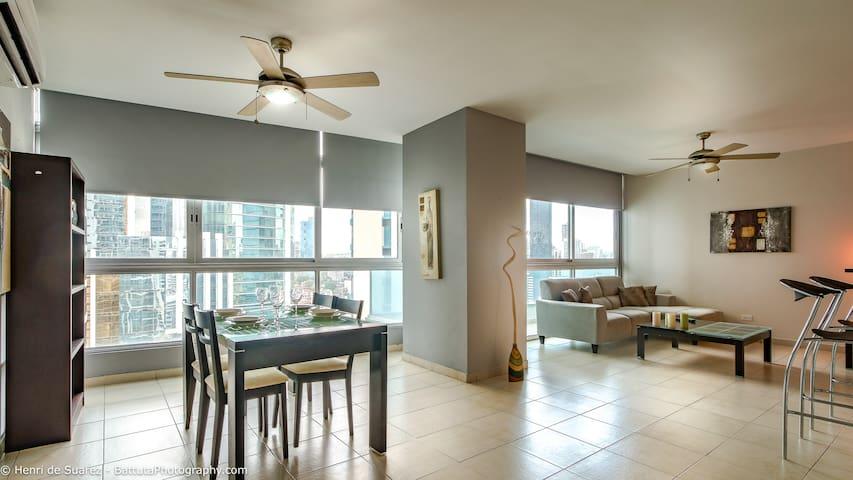 Fantastic suite on Avenida Balboa