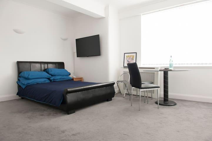 Stylish Studio Apartment in Chelsea