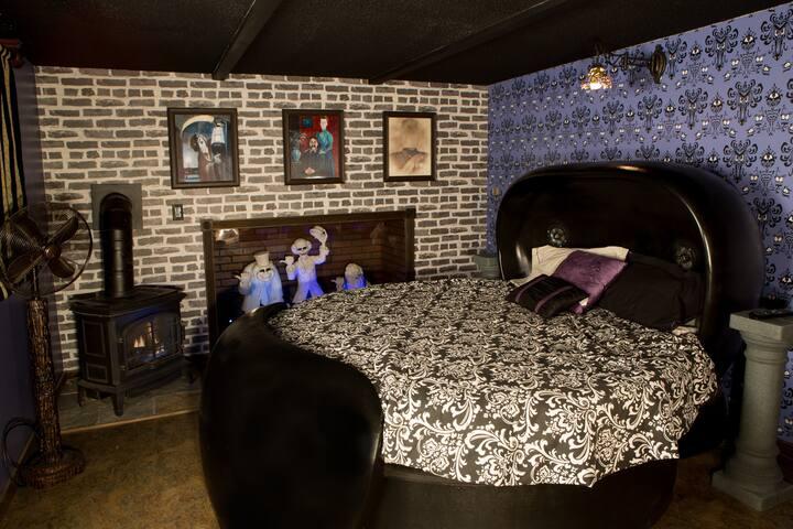 Haunted Mansion @ Hicskville Pines Bud & Breakfast