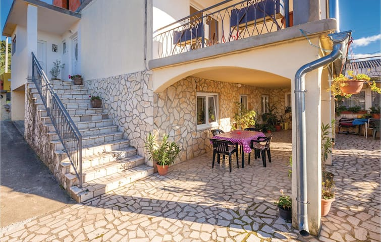 Holiday apartment with 2 bedrooms on 53m² in Novi Vinodolski