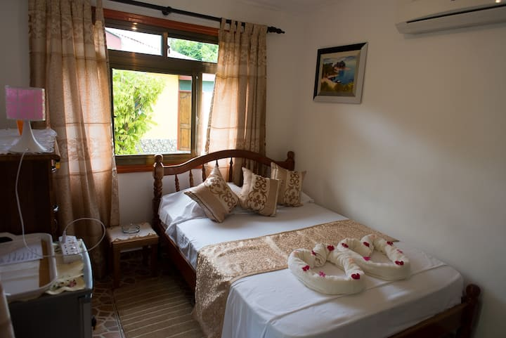 Dream Holiday Self Catering*