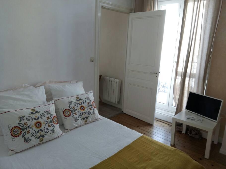 Chambre d 39 h te de charme en suite appartements louer for Chambre d hote carcassonne