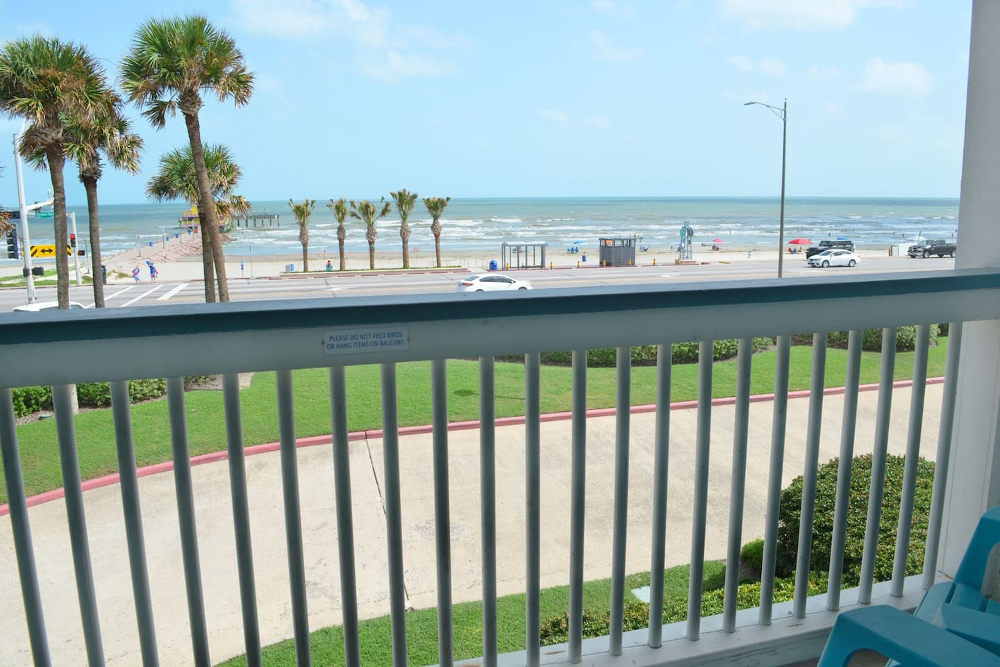 """AMAZING Front row view of """"Babe's Beach""""! Brand new sand blown in last year with SUPER easy beach access!"""