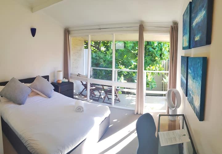 Quiet Zen Home near Botanic Gardens. Room3 Canopy