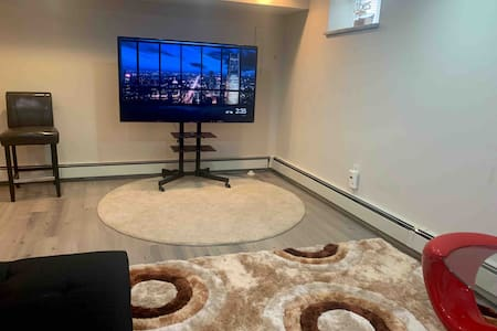 Luxury Private  basement apartment