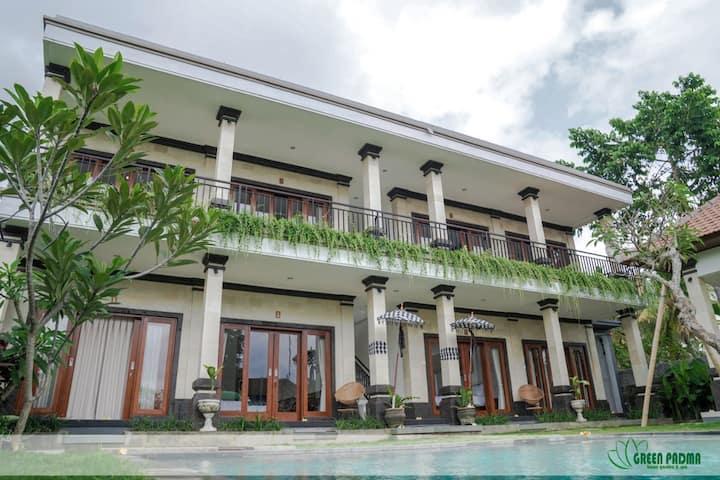 Ubud Villa with breakfast & pool Green Padma Ubud2