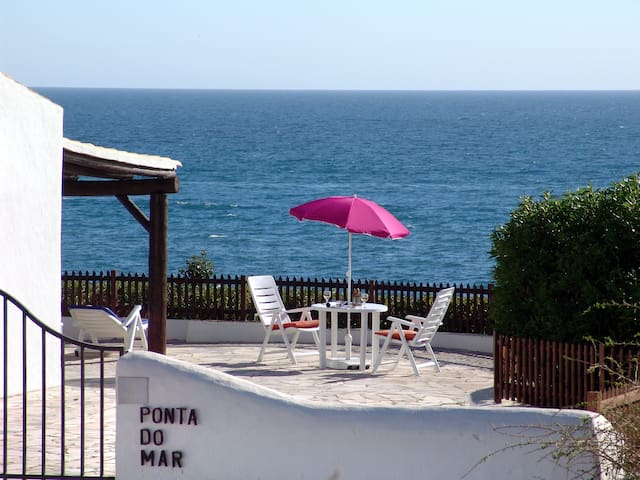 V2 Ponta do Mar -  Situado en la Playa