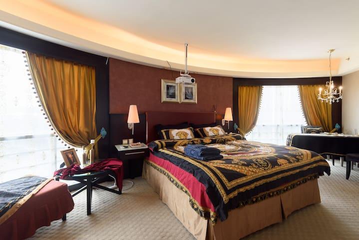[伯爵公馆]罗湖东门黄贝岭文锦口岸 巨幕投影 酒店式管理公寓 欧式古典奢华风尚
