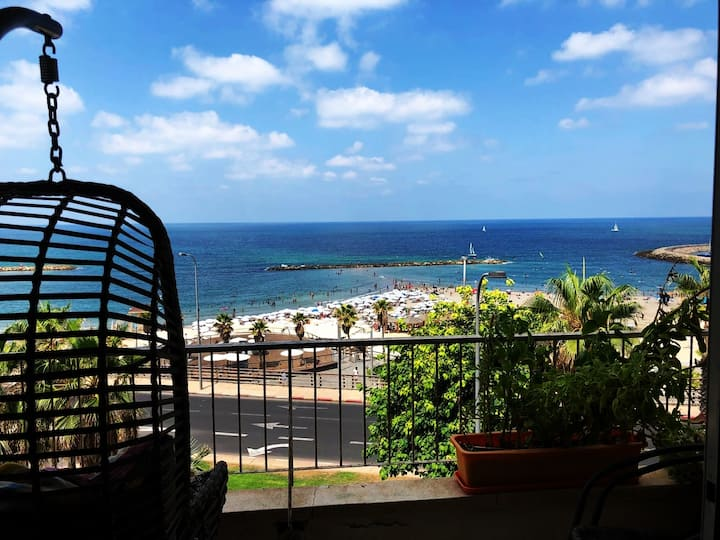Best room with FULL sea view balcony on the beach