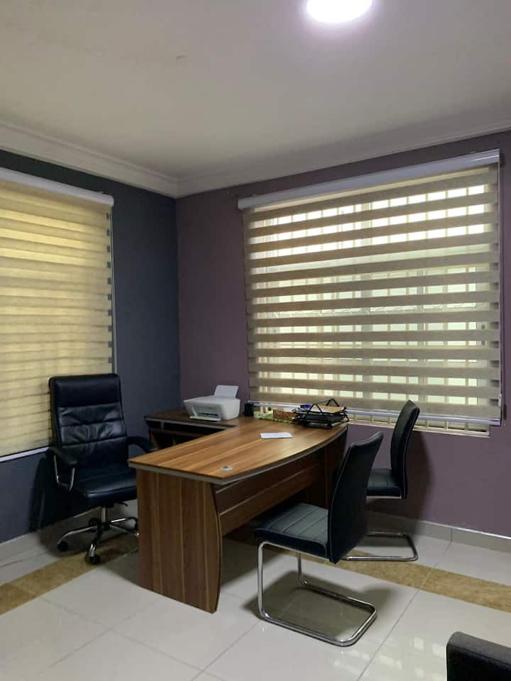 Private office space for use during daytime