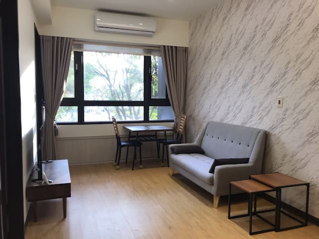 Luxurious 2 bedroom in Neihu!
