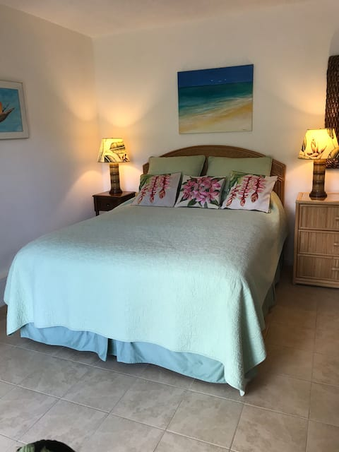 Kailua Garden Inn-relax in your own tropical haven